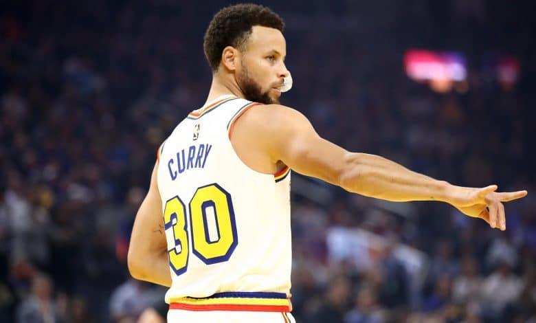 Stephen Curry regresó a las duelas